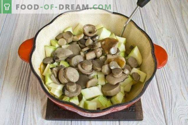Kürbis mit Pilzen für den Winter