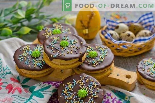 Hausgemachte Kekse für den Ostertisch