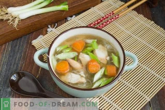 Sopa Chinesa de Frango com Funchoza