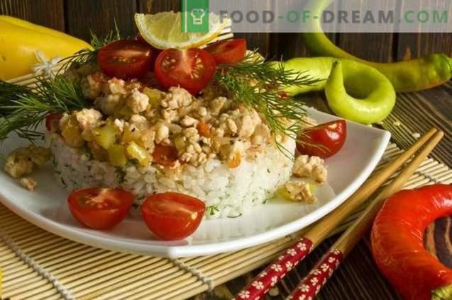 Hähnchenfilet mit Reis und Gemüse auf Koreanisch