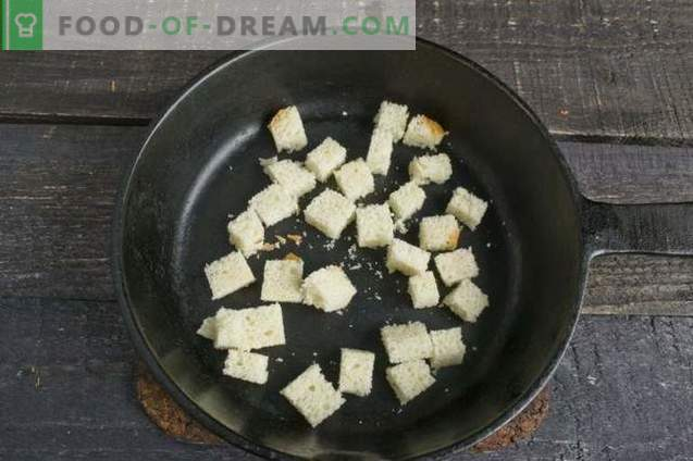 Hühnercremesuppe mit Croutons