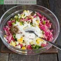 Frühlingsrettichsalat mit Ei und Mayonnaise