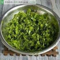 Ernten von Grünpflanzen für den Winter: Würzen von Salaten und Knoblauchsuppen, ...