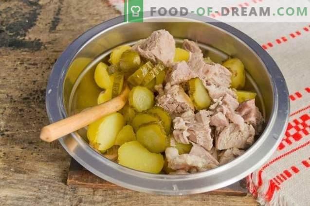 Landsalat mit Kartoffeln und Fleisch