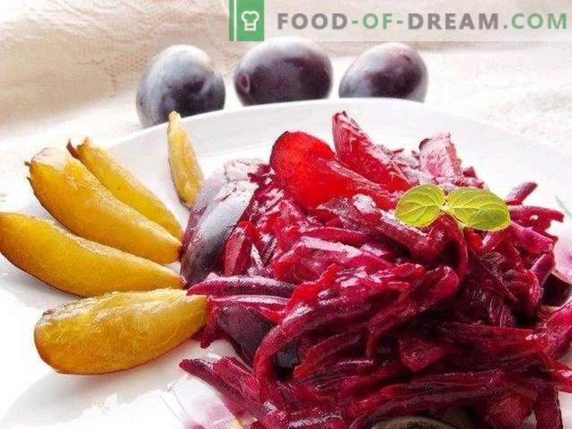 Süßer Salat mit Pflaumen und Rüben