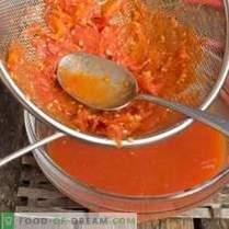 Tomatenketchup für den Winter zu Hause