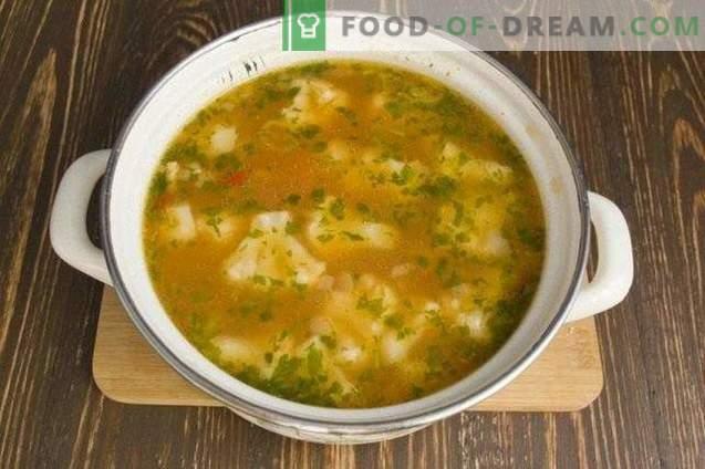 Vegetarische Suppe mit Blumenkohl