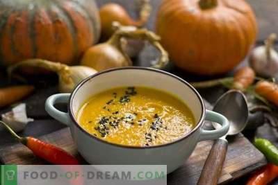 Kürbissuppe mit Karotten und Ingwer