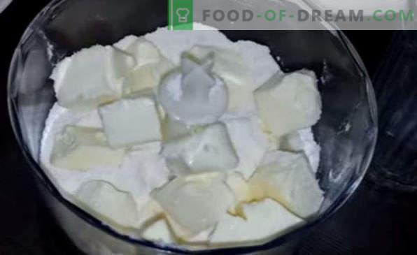 Pie mit schwarzer Johannisbeere, rot, tiefgefroren, mit Sauerrahm, Hüttenkäse, im Slow Cooker