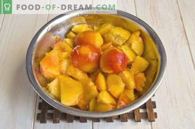Beeren-Fruchtmarmelade aus Pfirsichen, Erdbeeren und Nektarinen