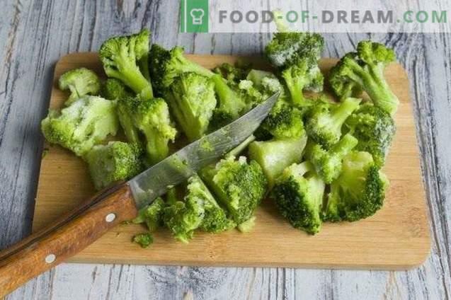 Magere Pizza mit Broccoli und Tofu