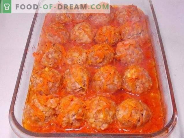 Fleischbällchen in Tomatensauce gebacken