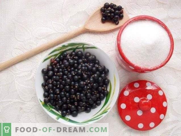 Schwarze Johannisbeere, gerieben mit Zucker