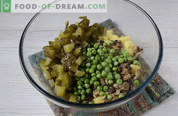 Kartoffelsalat mit Pilzen - ein komplettes Gericht für ein Mittag- oder Abendessen im Sommer. Schritt für Schritt Fotorezept für Kartoffelsalat mit Pilzen
