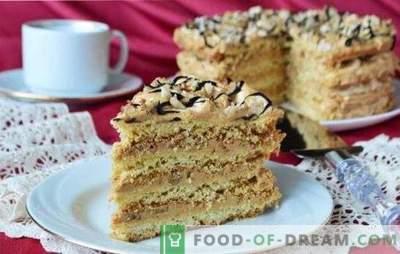 Air Snickers Cake - knuspriges Baiser-Dessert! Rezepte für Luftkuchen aus Keksen, Keksen und Mürbiskuchen