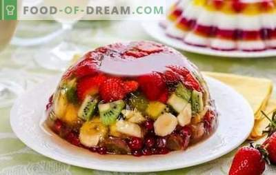 Jelly mit Früchten ist eine leichte und helle Köstlichkeit. Originalrezepte aus Obst, Milchprodukten, Sauerrahm mit Früchten