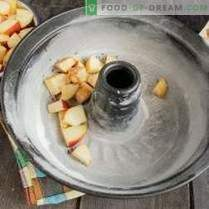 Mageres Charlotte mit Äpfeln und Zimt auf Gemüsesahne
