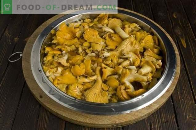 Pilzsuppe mit Pfifferlingen