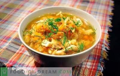 Sauerkrautsuppe mit Schweinefleisch ist ein russisches Gericht für alle Zeiten. Rezepte Kohlsuppe aus Sauerkraut mit Schweinefleisch, Champignons, Bohnen, Hirse