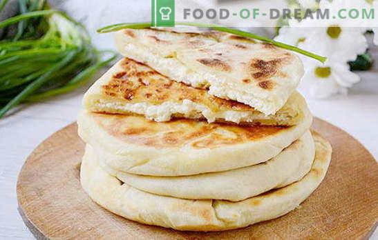 Die einfachsten Khachapuri auf Kefir mit Hüttenkäse auf einer Pfanne. Foto-Rezept des Autors für Khachapuri, der in einer Pfanne mit Quark kocht