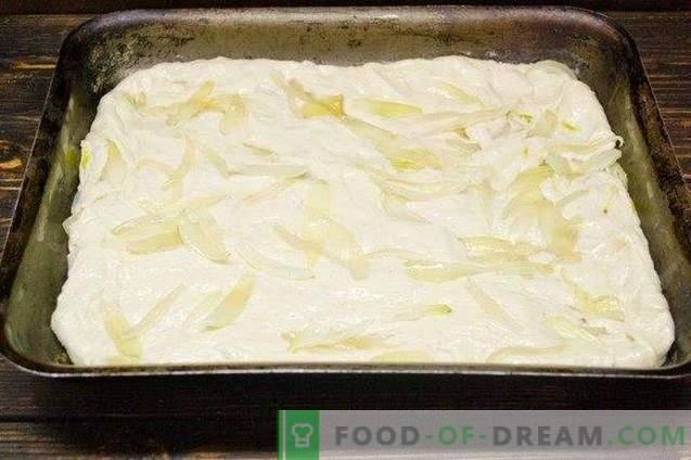 Italienische Focaccia - mageres Brot mit Zwiebeln