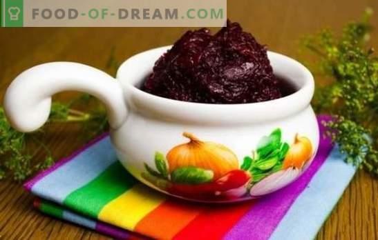 Es gibt nicht viele Snacks, Kaviar aus Rüben sollte notwendig sein. Wir eröffnen die Saison der Rohlinge aus Rüben für den Winter
