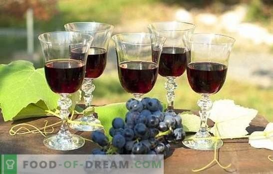 Schwarzer Traubenwein: Aufbereitung der Rohstoffe und Aufbereitungstechnik. Rezepte hausgemachter Wein aus schwarzen Trauben