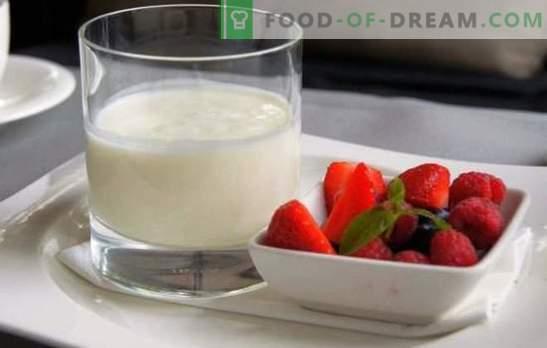 Das interessanteste und nützlichste über selbst gemachten Milchjoghurt. Eine gute Angewohnheit ist, morgens selbst gemachten Kefir aus Milch herzustellen.