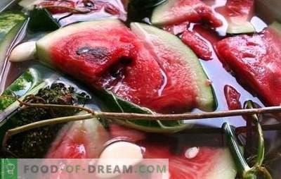 Wassermelonen in einem Fass für den Winter - eine Vorspeise für echte Feinschmecker. Wassermelonen in einem Fass salzen - Wassermelonen auf verschiedene Weise in einem Fass beizen