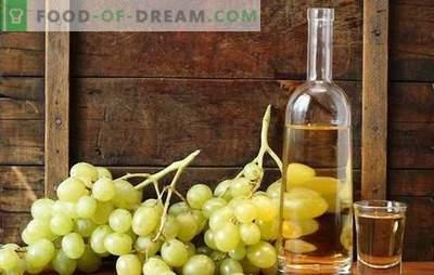 Wodka auf Trauben - hausgemachte Tinkturtechnologie mit