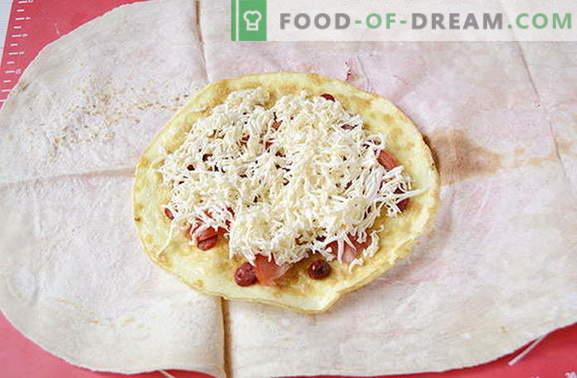 Omelett mit Würstchen und Tomaten in Pitabrot - schmackhafter als Shawarma