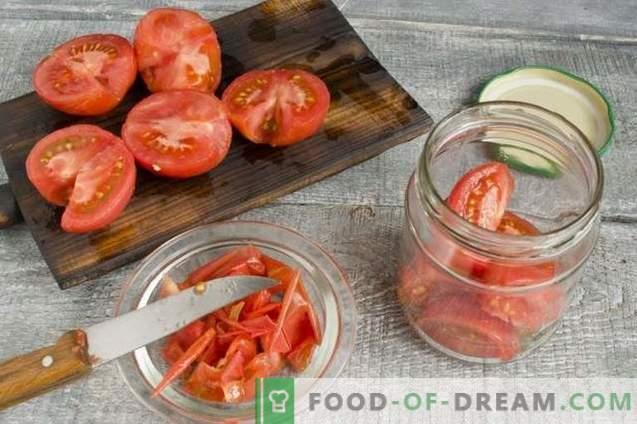 Tomaten im eigenen Saft mit bulgarischem Pfeffer für den Winter