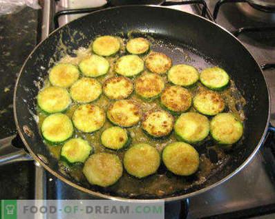 Zucchini in einer Pfanne anbraten, leckere Rezepte für einfache Gerichte