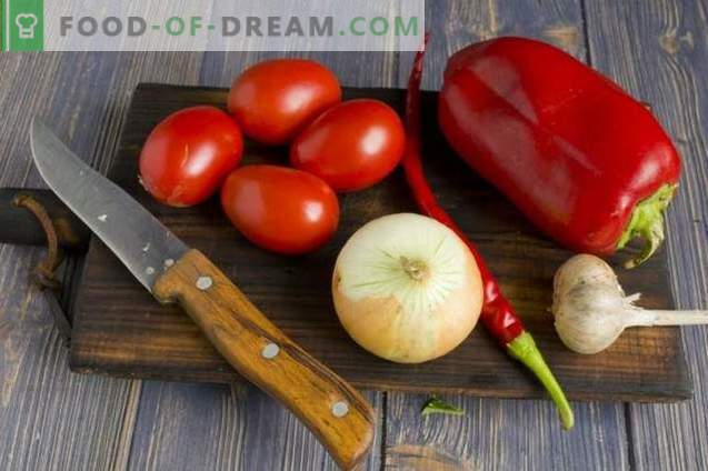 Zucchini Lecho mit Paprika, Tomaten und Zwiebeln für den Winter