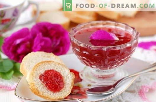 Marmellata di rose: come fare in modo che il rosa si inceppi correttamente
