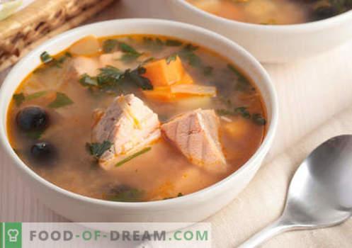 Bucklige Suppen - bewährte Rezepte. Wie man richtig und lecker Kochsuppe aus rosa Lachs kocht.