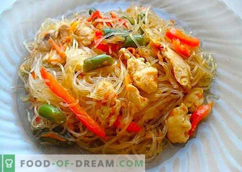 Reisnudeln sind die besten Rezepte. Wie man richtig und lecker Reisnudeln zu Hause kocht.