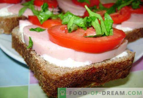 Wurstsandwiche sind die besten Rezepte. Wie schnell und lecker Brötchen mit Wurst kochen.
