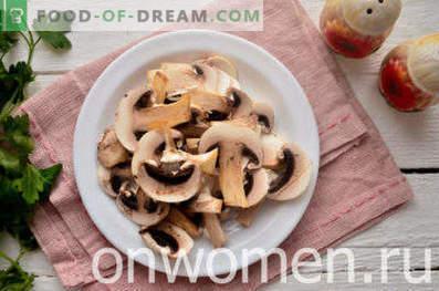 Mit Pilzen gedünstetes Hähnchen