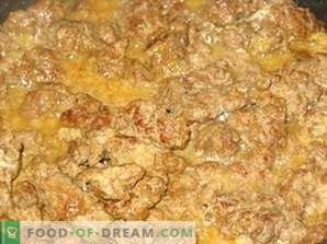 Beef liver stewed in sour cream